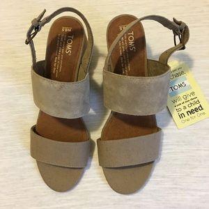 TOMS  Sandals size 38 1/2